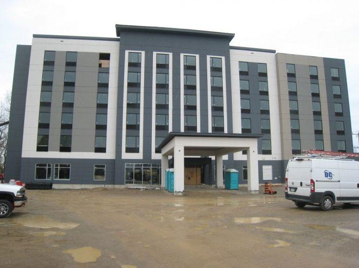 Holiday Inn Express Hotel, 1460 Venitian Boulevard, Sarnia, ON